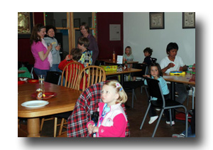 family kids night at cafe aldea